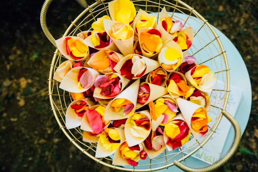 brisbane-city-wedding-flowers-by-julia-rose-bright-fiesta-edison-light-bulb-hanging-florals-05