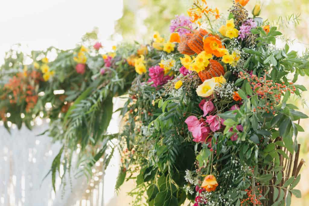 brisbane-city-wedding-flowers-by-julia-rose-bright-fiesta-edison-light-bulb-hanging-florals-08