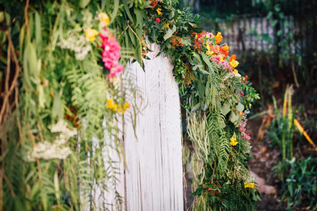 brisbane-city-wedding-flowers-by-julia-rose-bright-fiesta-edison-light-bulb-hanging-florals-10
