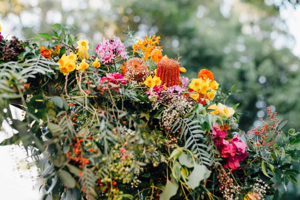 brisbane-city-wedding-flowers-by-julia-rose-bright-fiesta-edison-light-bulb-hanging-florals-11