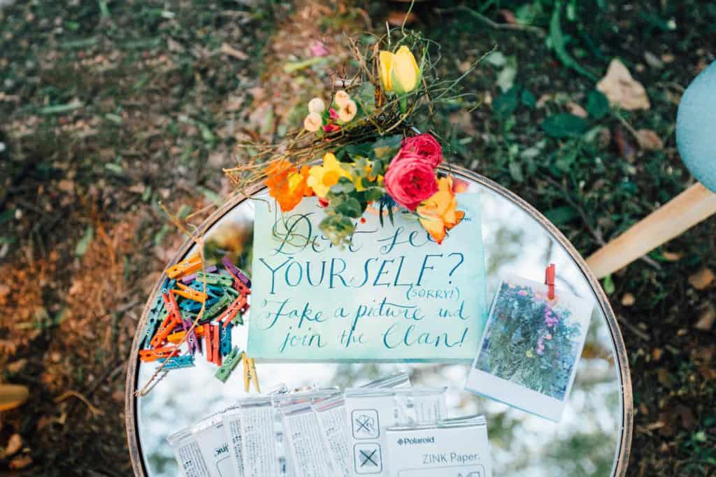 brisbane-city-wedding-flowers-by-julia-rose-bright-fiesta-edison-light-bulb-hanging-florals-12