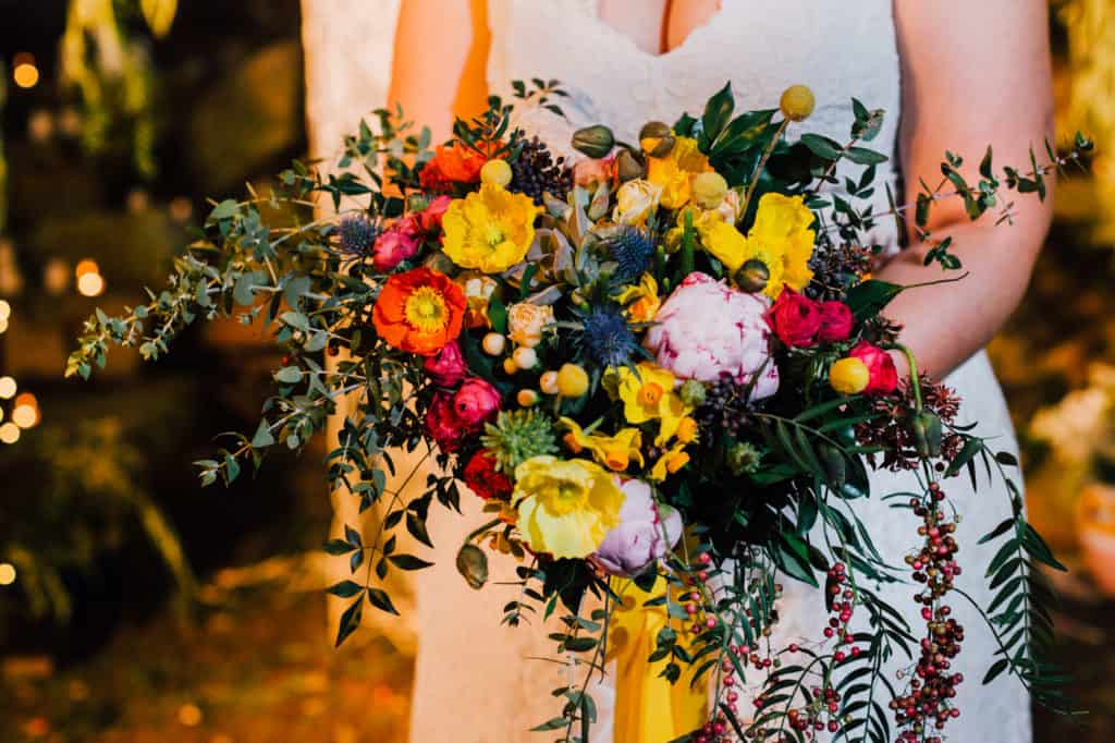 brisbane-city-wedding-flowers-by-julia-rose-bright-fiesta-edison-light-bulb-hanging-florals-17