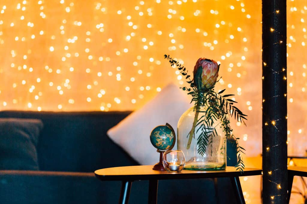 brisbane-city-wedding-flowers-by-julia-rose-bright-fiesta-edison-light-bulb-hanging-florals-20