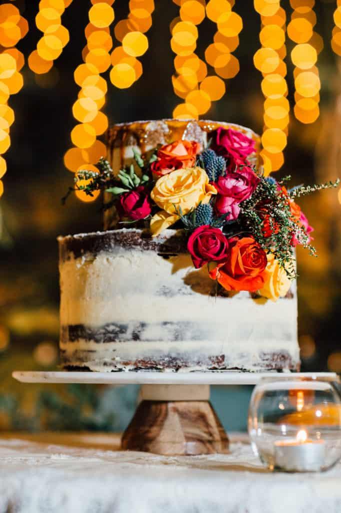 brisbane-city-wedding-flowers-by-julia-rose-bright-fiesta-edison-light-bulb-hanging-florals-21