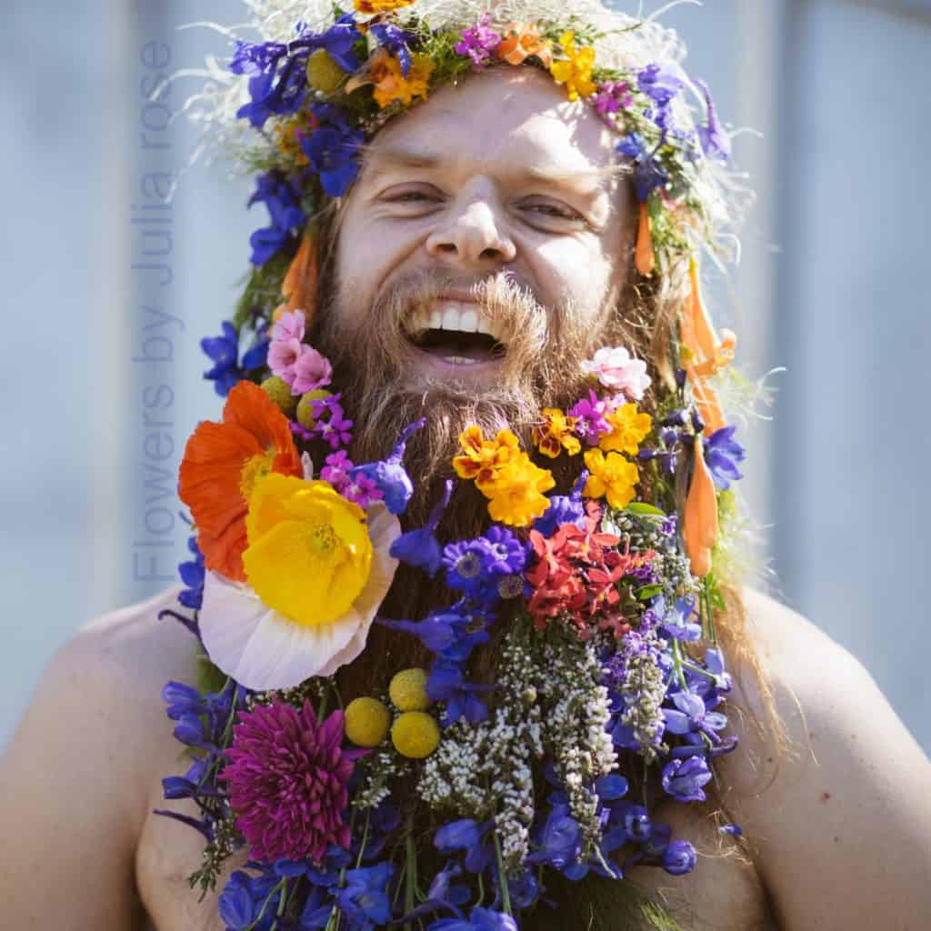 tommy-fresh-flower-beard-tight-laugh